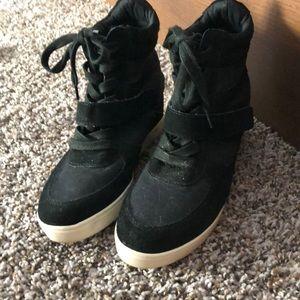 Steve Madden wedged sneaker black size 8